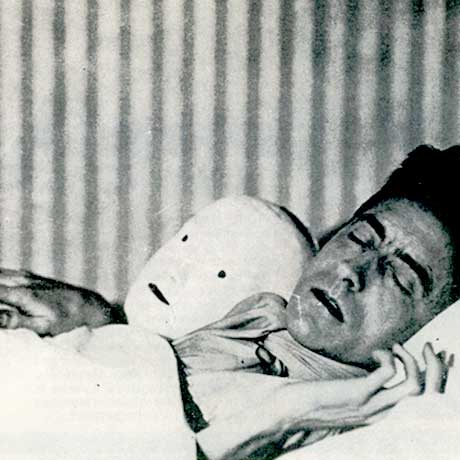Music while you sleep: Jean Cocteau 'Le Chercheur Dort' (from MW#38, p26)